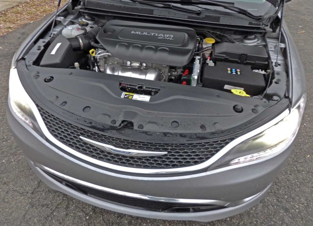 Chrysler-200C-Engine