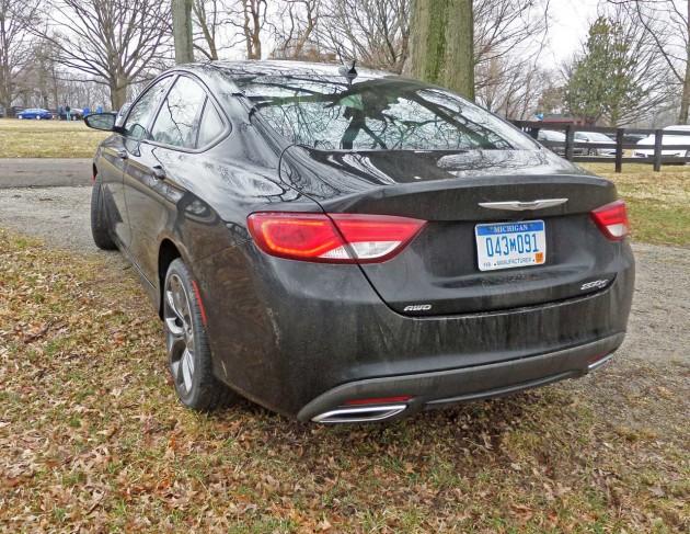 Chrysler-200S-RR