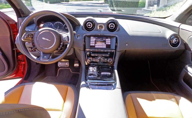Jaguar-XJR-Dash