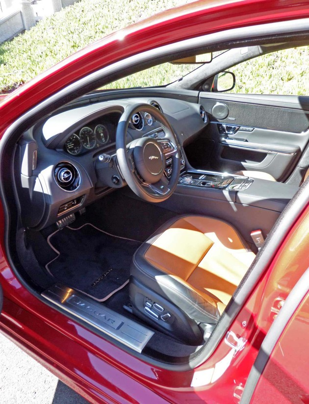 Jaguar-XJR-Interior
