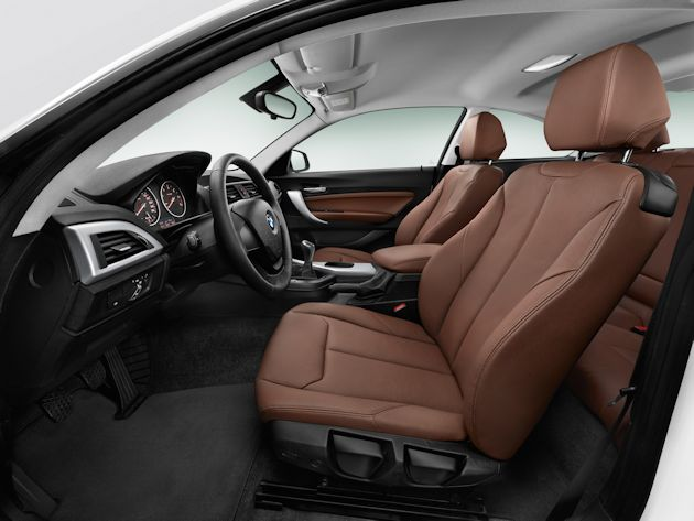 2014 BMW M235i interior