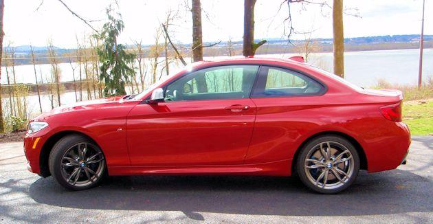 2014 BMW M235i side