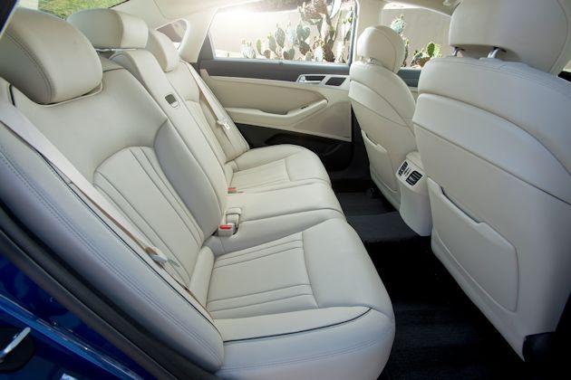 2015 Hyundai Genesis rear seat