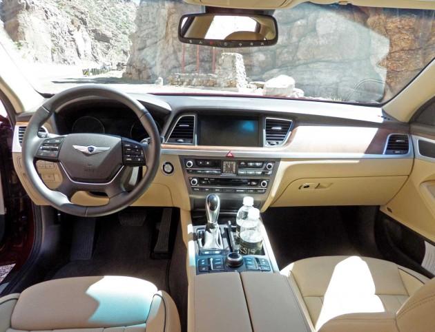 Hyundai-Genesis-Dash