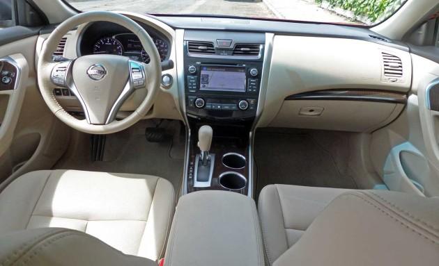 Nissan-Altima-Dash