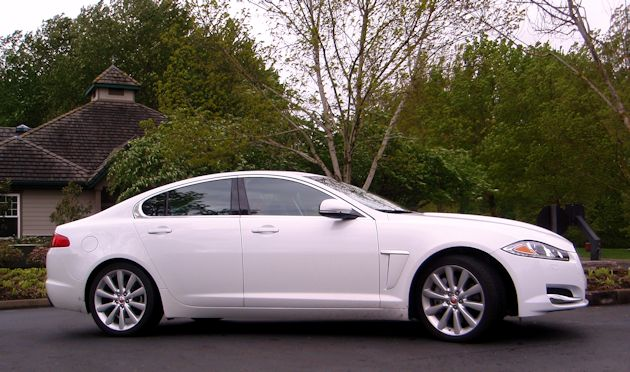 2014 Jaguar XF side 2