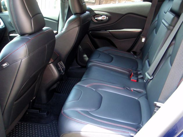 2014 Jeep Cherokee rear seat
