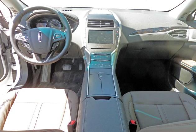 Lincoln-MKZ-Hybrid-Dash
