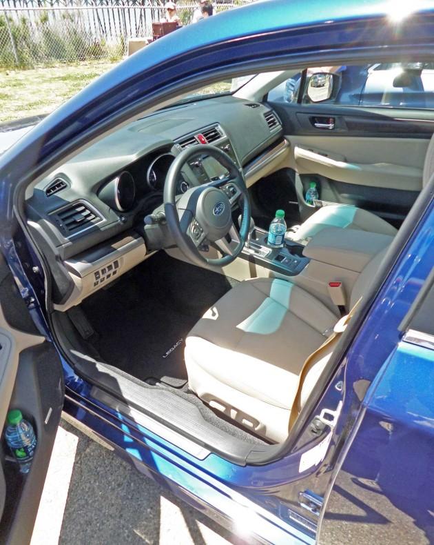 Subaru-Legacy-Int