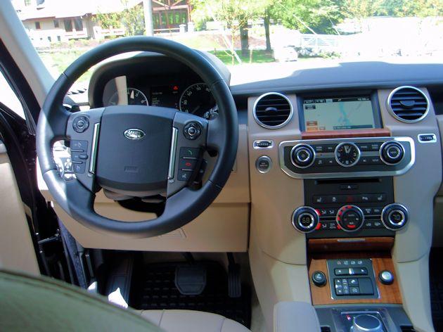 2014 Land Rover LR4 dash