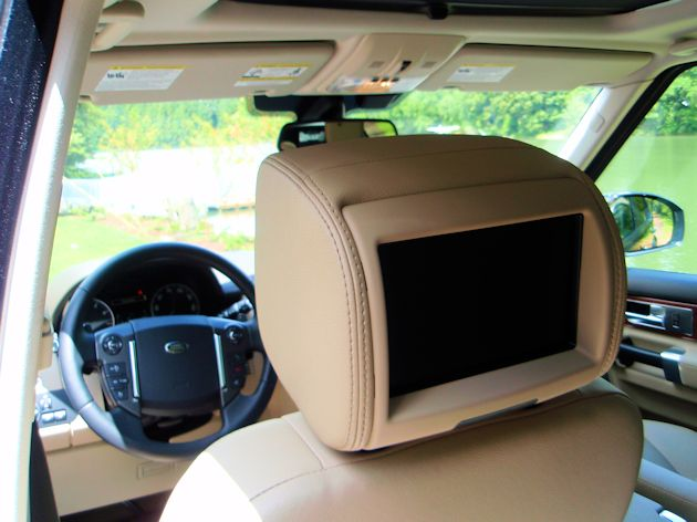 2014 Land Rover LR4 entertainment screen