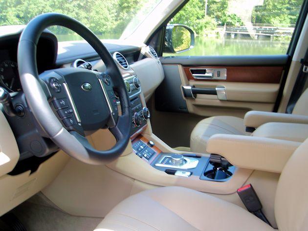 2014 Land Rover LR4 interior