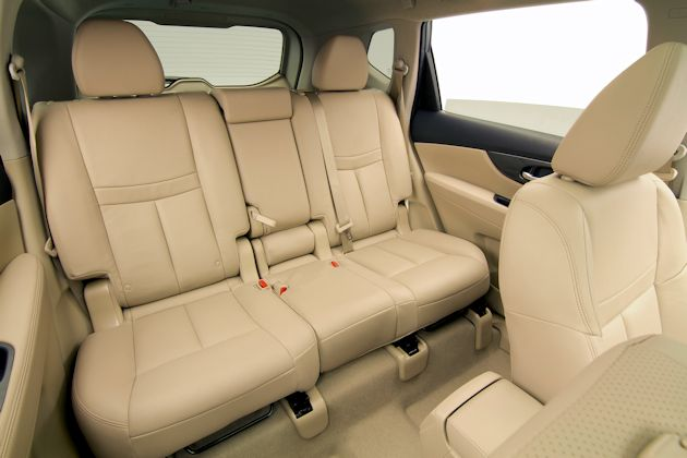 2014 Nissan Rogue 2nd row seats