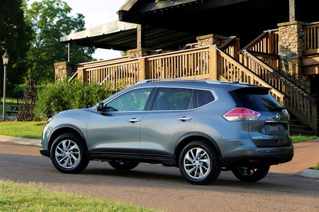 2014 Nissan Rogue side
