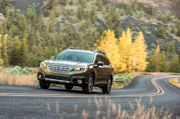 2015 Subaru Outback front moving