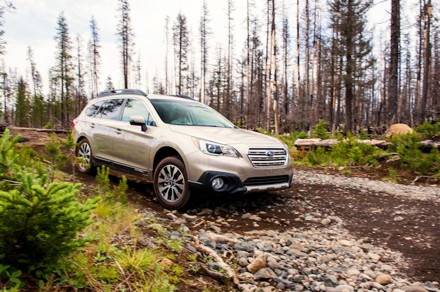 2015 Subaru Outback front off-road