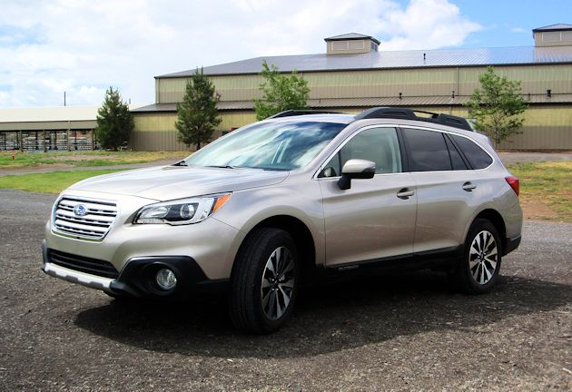 2015 Subaru Outback front