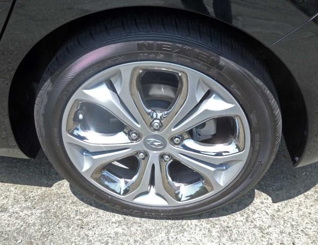 Hyundai-Elantra-GT-Whl
