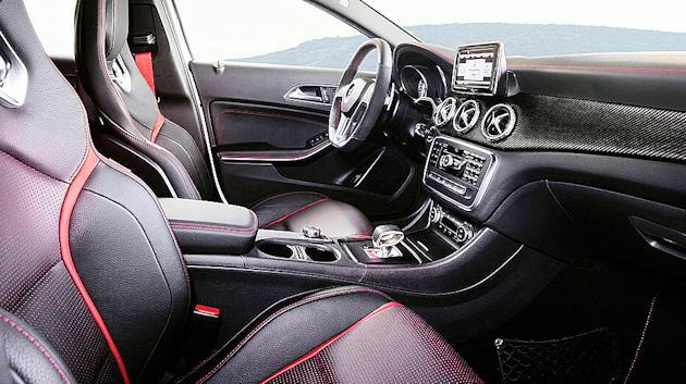 2014 Concept Awards MB GLA45 AMG interior