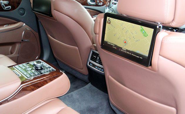 2014 Hyundai Equus rear infotain
