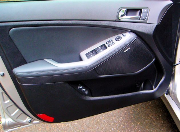 2014 Kia Optima door panel