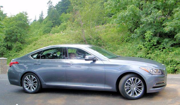 2015 Hyundai Genesis side2