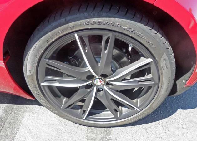 Alfa-Romeo-4C-Whl