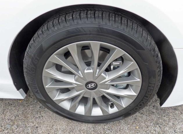 Hyundai-Sonata-Whl