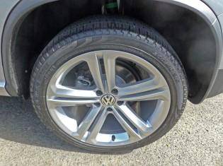 2014 Volkswagen Tiguan 2.0T TSI tires