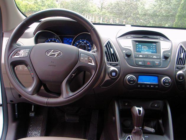 2014 Hyundai Tucson dash