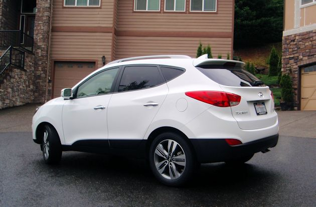 2014 Hyundai Tucson rear q