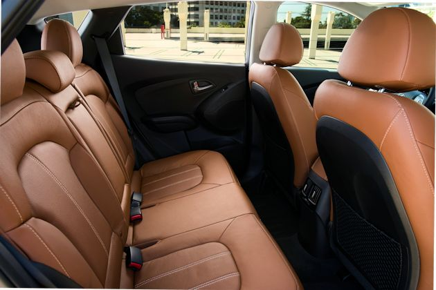 2014 Hyundai Tucson rear seat