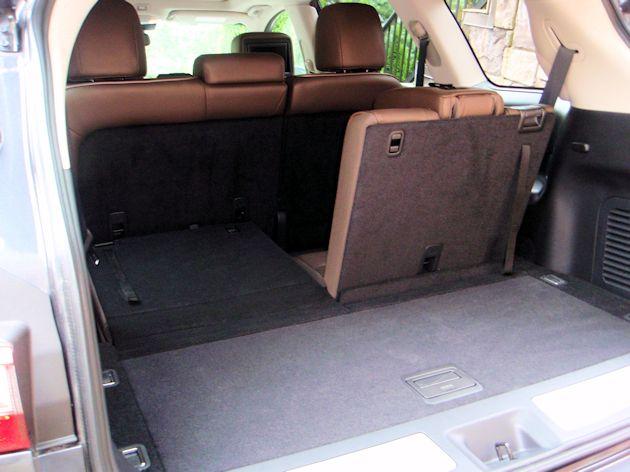 2014 Infiniti QX60 Hybrid cargo area