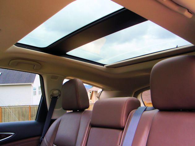 2014 Infiniti QX60 Hybrid roof