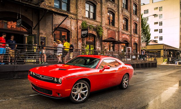 2015 Dodge Challenger front q