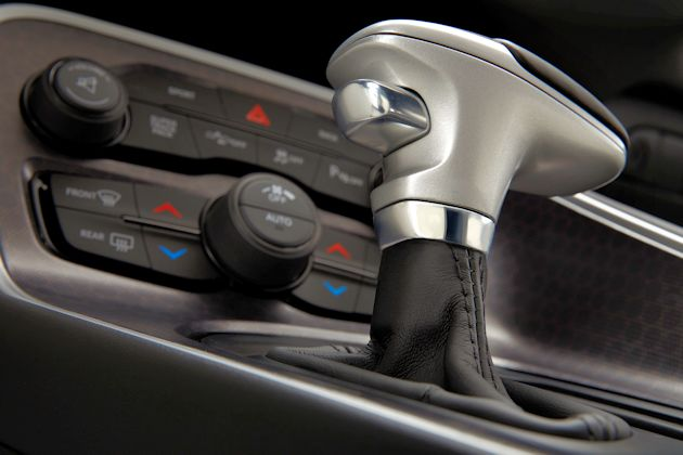2015 Dodge Challenger shifter