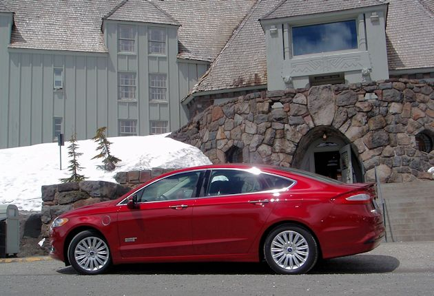 2015 Ford Fusion Energi side2