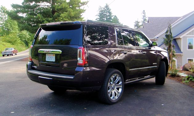 2015 GMC Yukon Denali rear 2