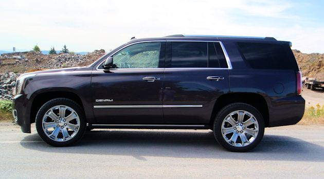 2015 GMC Yukon Denali side 2