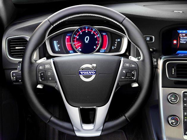 2015 Volvo V60 IP & wheel