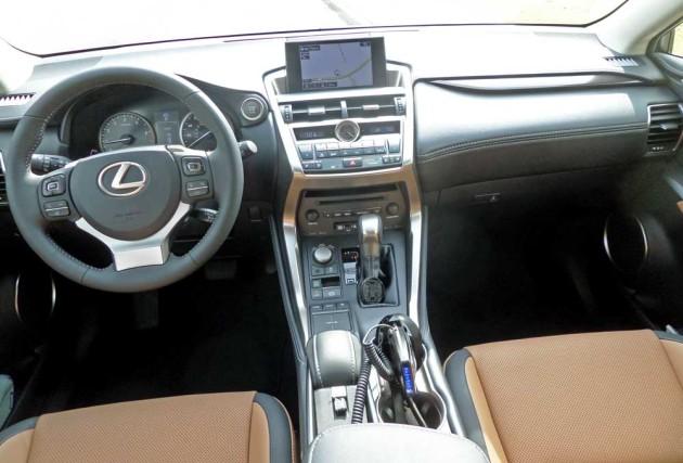 Lexus-NX-200t-Dsh