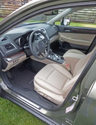Subaru-Outback-Int