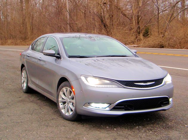 2014 Chrysler 200 front