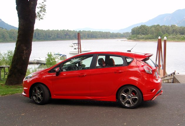 2014 Ford Fiest ST side