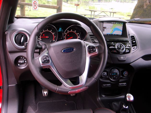 2014 ford fiesta st test drive our auto expert. Black Bedroom Furniture Sets. Home Design Ideas