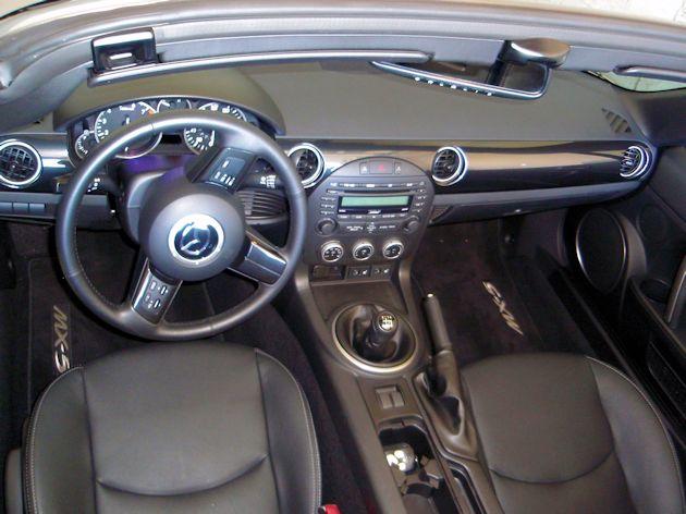2014 Mazda MX-5 Miata interior 2