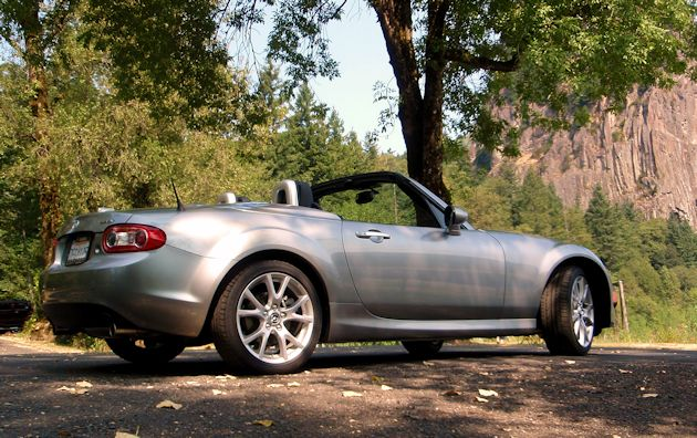 2014 Mazda MX-5 Miata rear