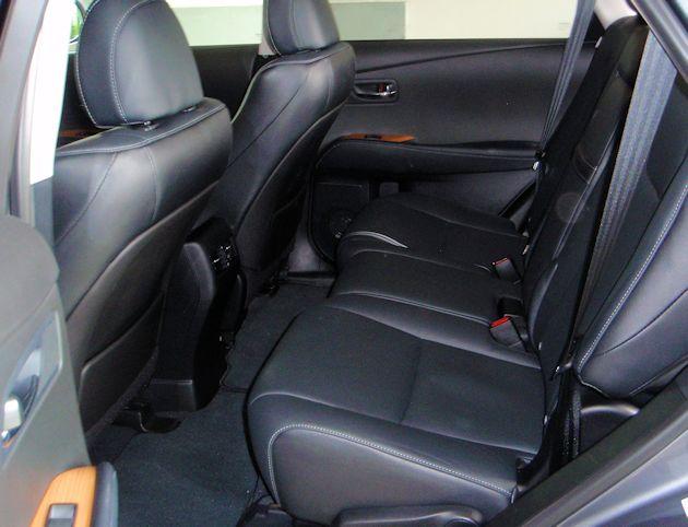 2015 Lexus RX 450 h rear seat