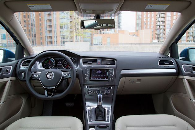2015 VW e-Golf interior