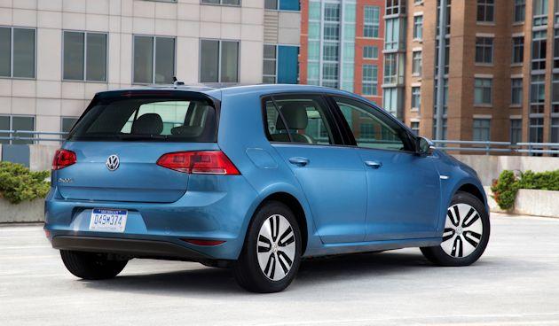2015 VW e-Golf rear